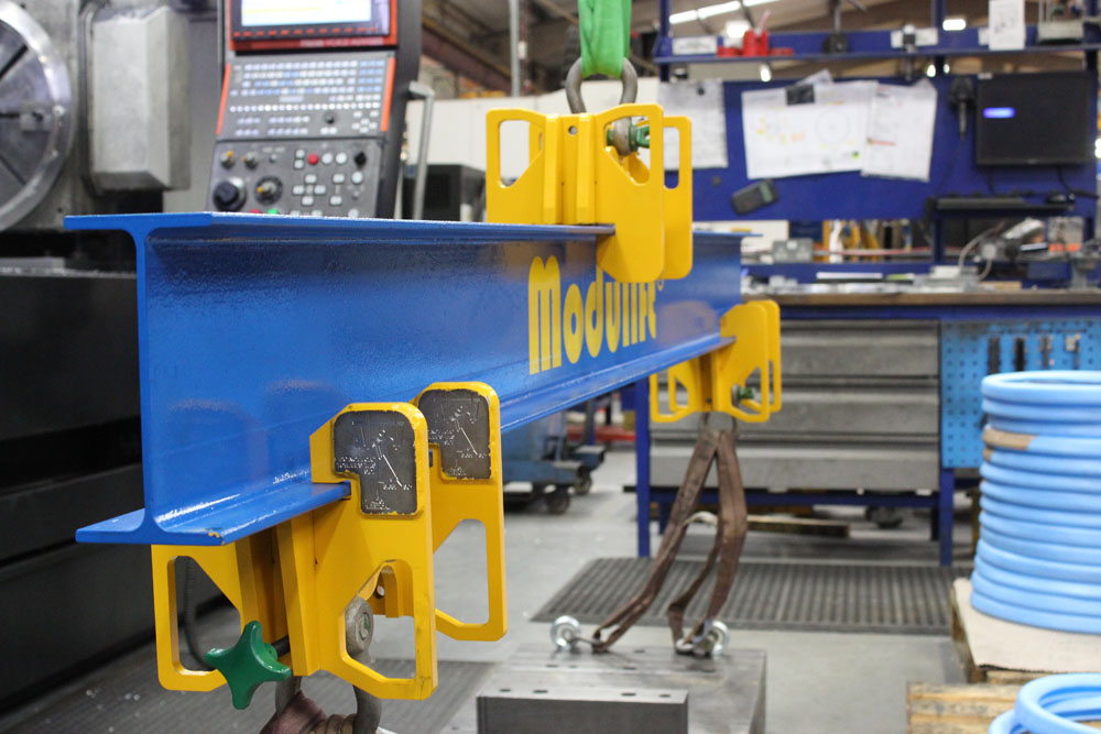 Modulift Adjustable Spreader/Lifting Beam, focusing on the clamps