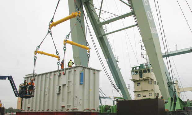 Modulift 1-over-2 Rig with spreader beams lifting a container