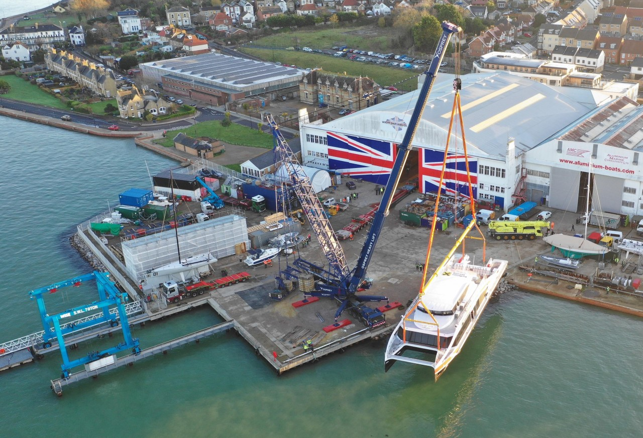 Modulift Beams Lower Vessel Into Water for Maiden Voyage